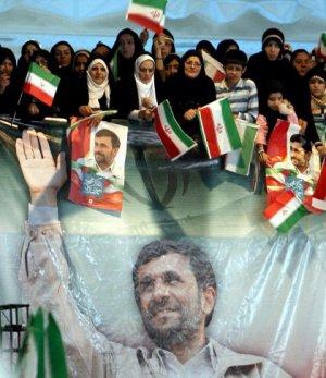 El Parlamento Iraní Aprueba a la Mayoría del Gabinete de Ahmadineyad